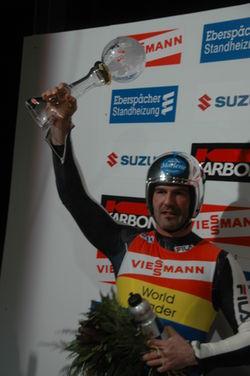 Armin Mit Pokal 1